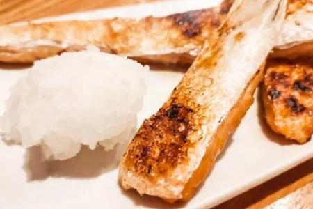 鮭 皮 食べる