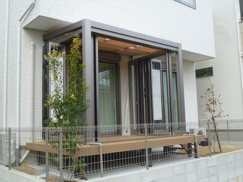 庭とお部屋をつなげるガーデンルームが演出するくつろぎ空間
