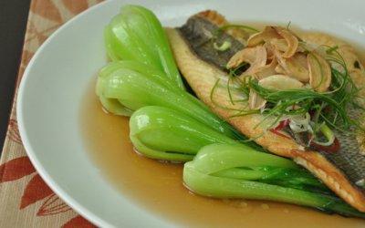 金目鱸魚食譜 香煎鱸魚排佐青江菜,有魚又有菜!
