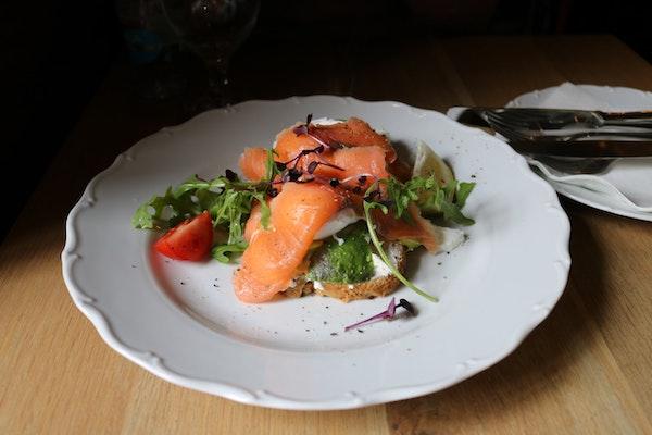 算熱量-地中海飲食-鮭魚沙拉