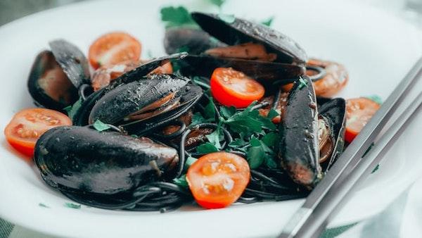 睡不好-地中海飲食-睡眠品質-海鮮