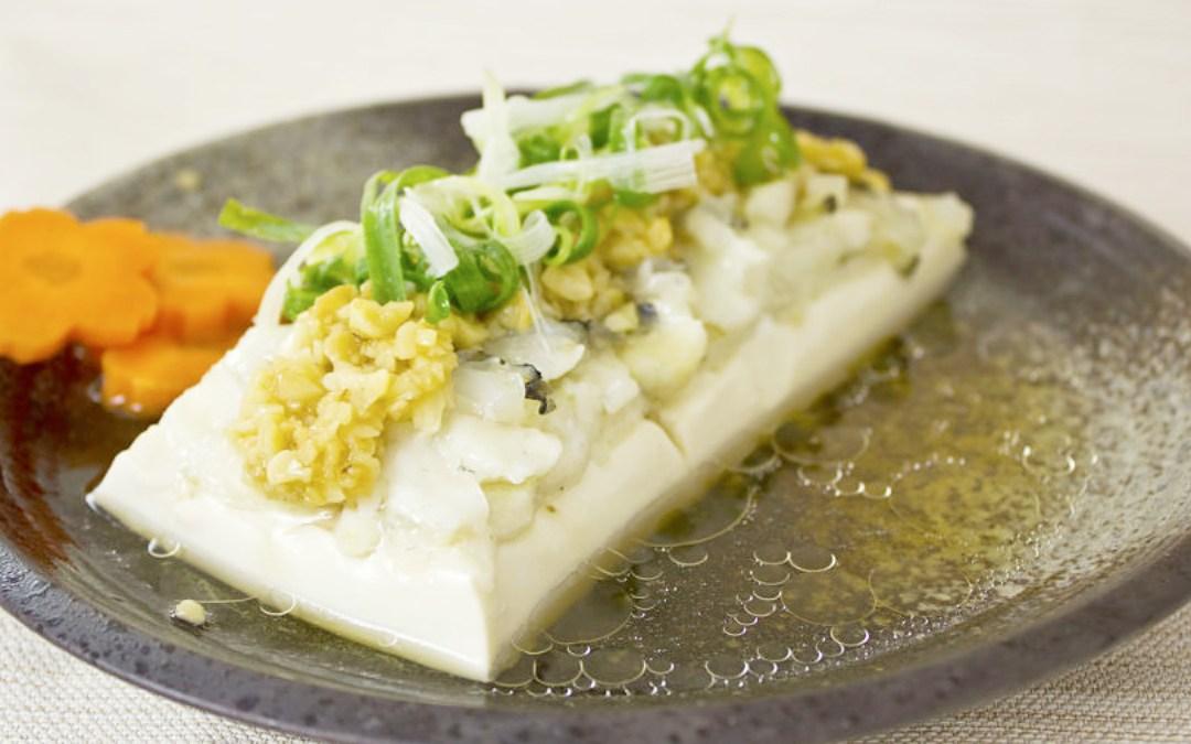 金銀蒜龍膽石斑魚片蒸豆腐