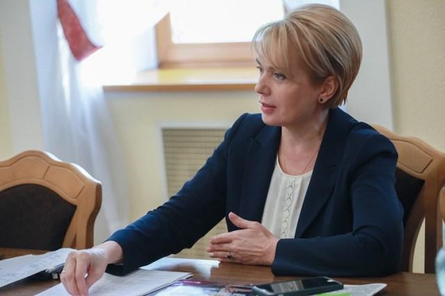 Про готовність до початку навчального року, перевірки з райвідділів освіти та різницю обов'язків між МОН та місцевою владою - 6f7ab13 grynevyc1