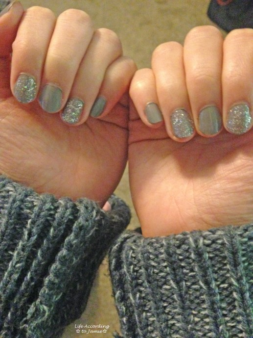Sparkling Grey-Purple Nails 5