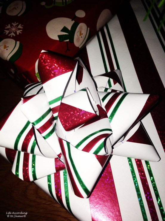 Gift Wrapping Bow 10