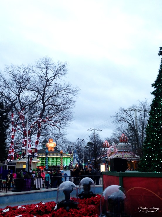 Six Flags - Holiday in the Park 1