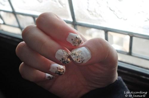 White & Gold Glitter Manicure