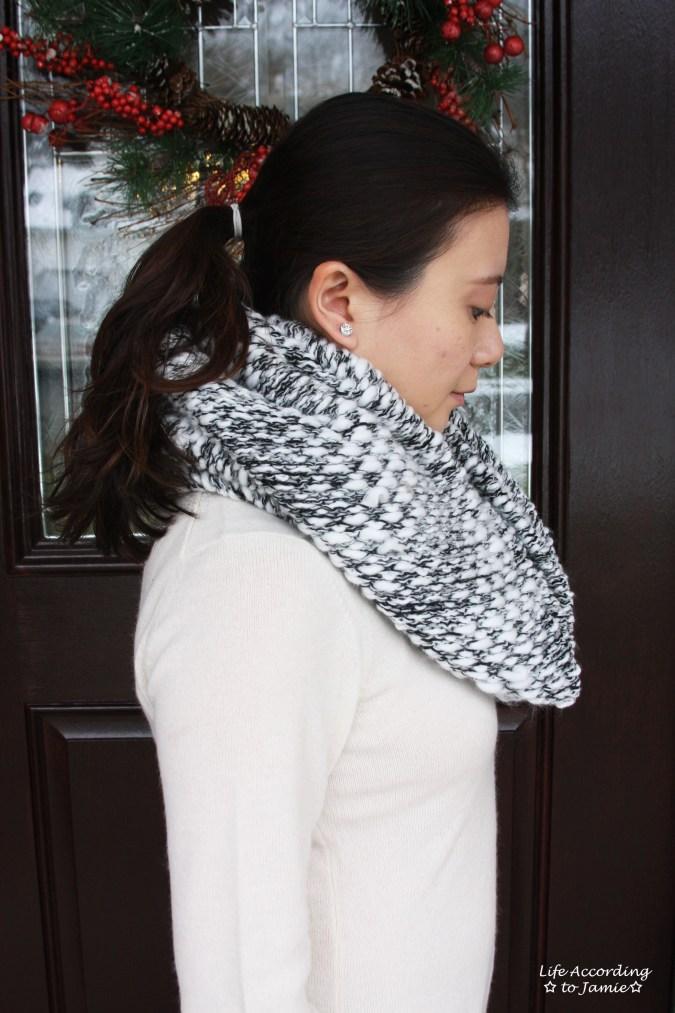 Grey & White Knit Circle Scarf 3