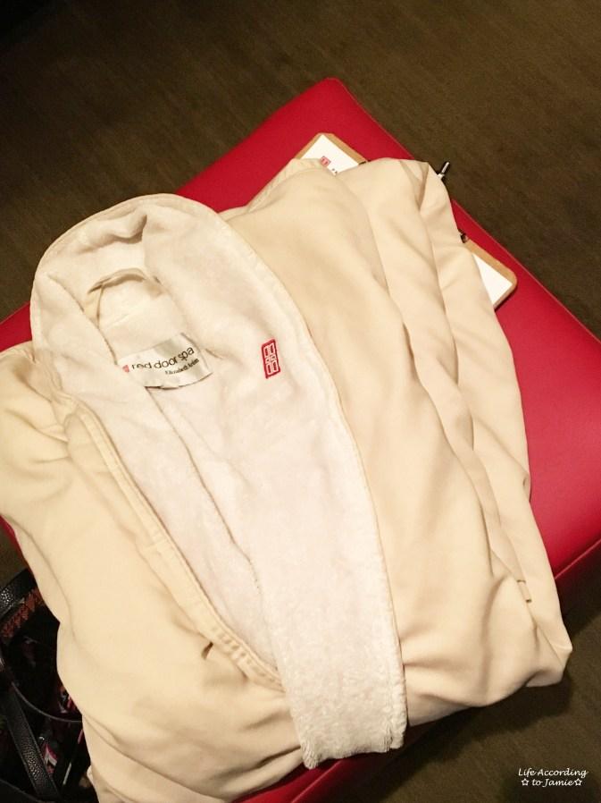 Elizabeth Arden Red Door Spa - Robe