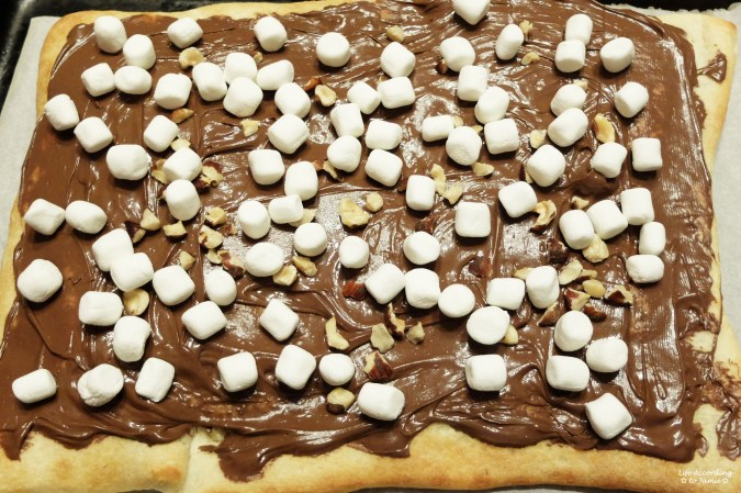 Nutella Dessert Pizza 2