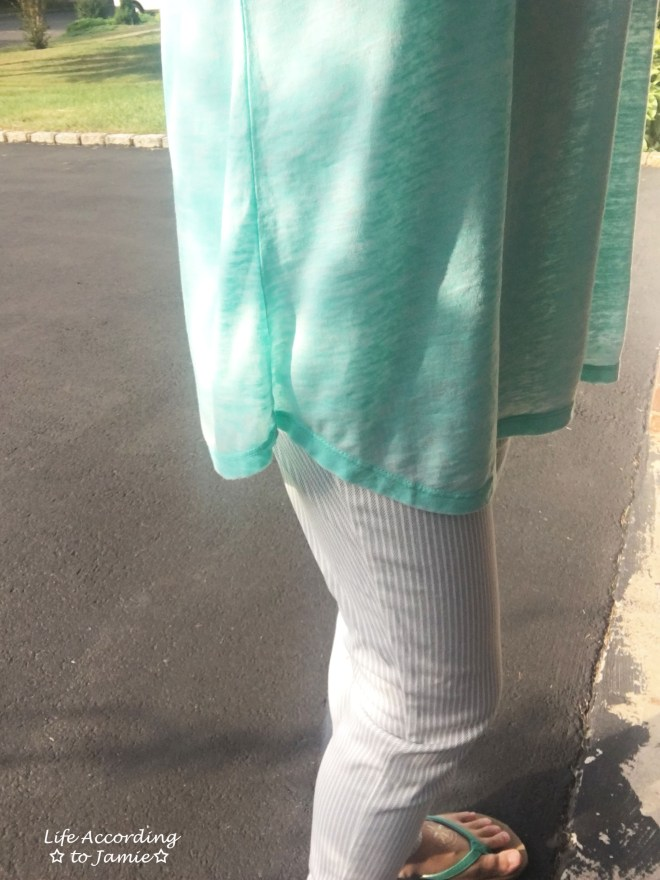 aqua-top-striped-pants