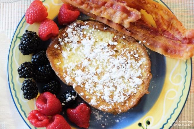 french-toast-fruit