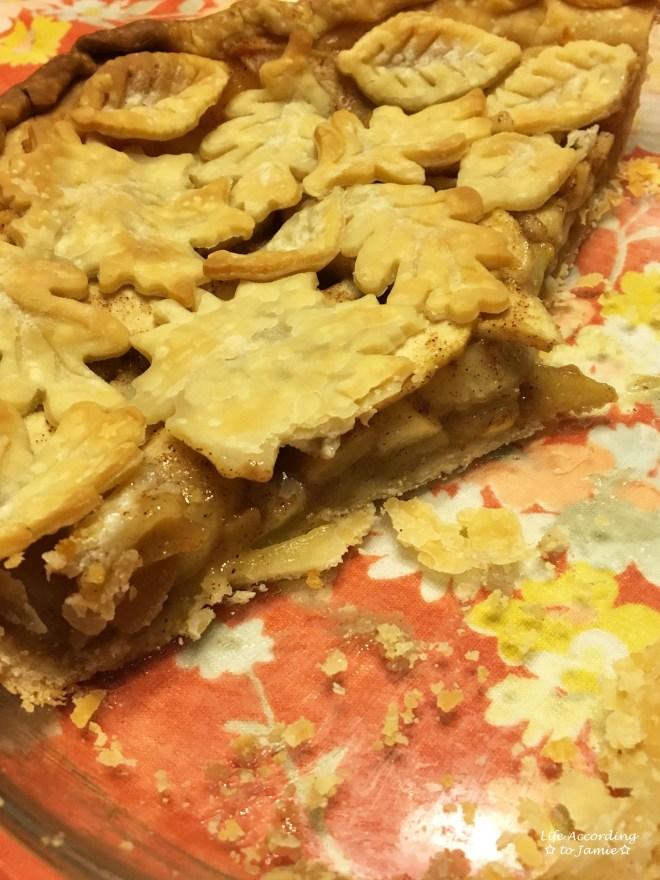 apple-pie-leaf-cutout-crust-8