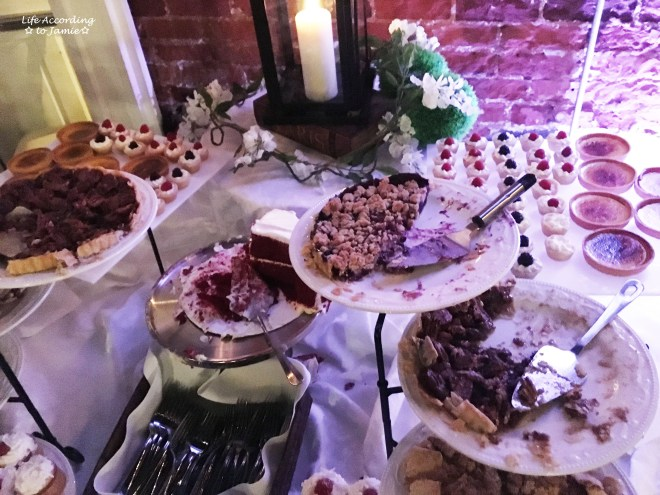 wedding-dessert-table