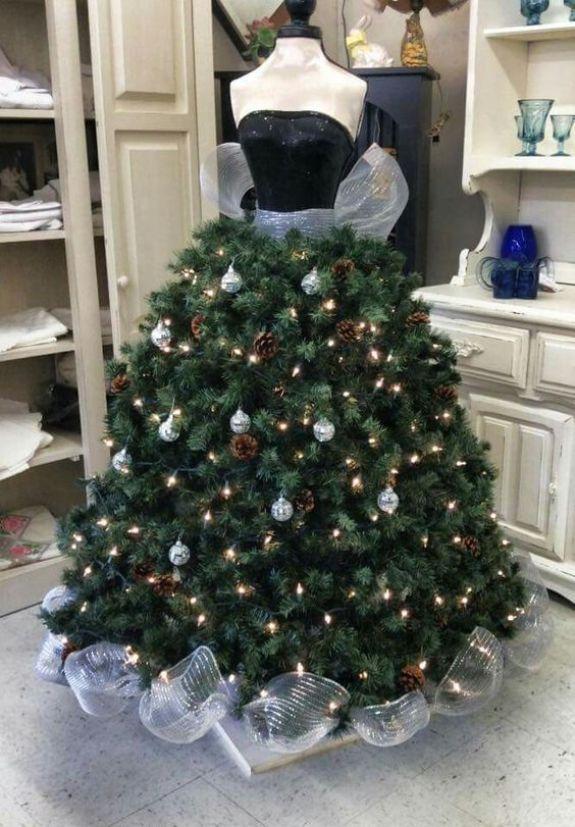black-strapless-mannequin-christmas-tree-dress