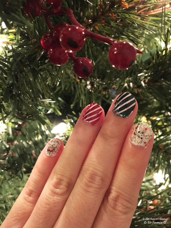 christmas-nails-stripes-confetti-1
