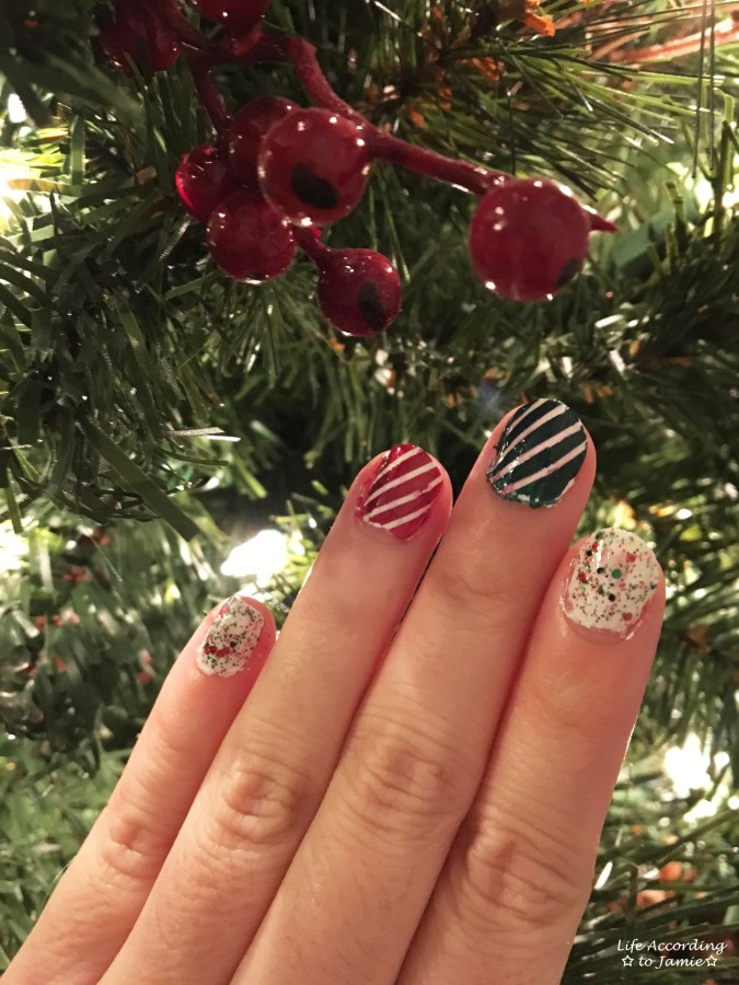 christmas-nails-stripes-confetti-1
