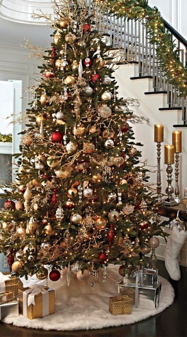 christmas-tree-gold-branches