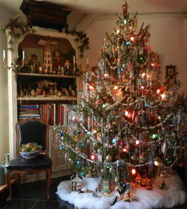 christmas-tree-tinsel