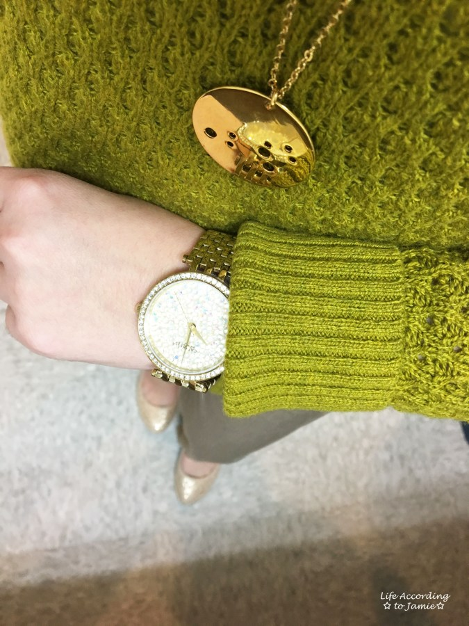 textured-chartreuse-sweater-gold-jewelry