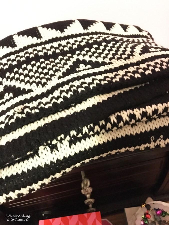 black-white-scandi-scarf