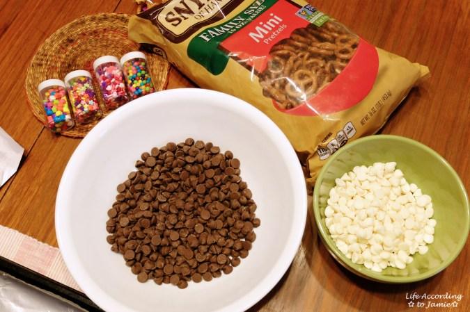 chocolate-pretzel-heart-bark-supplies