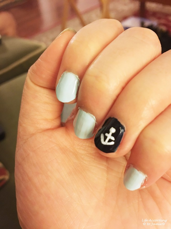 Blue & White Anchor Nail Art 1