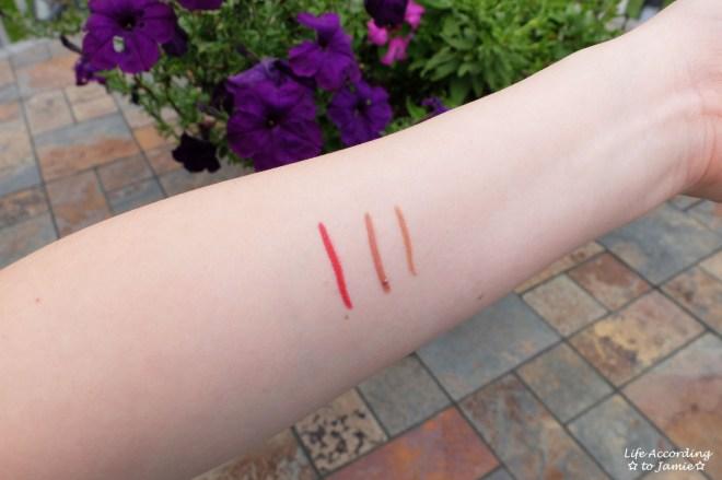 L'Oreal Colour Riche Matte Addiction - Lip Liner Swatches