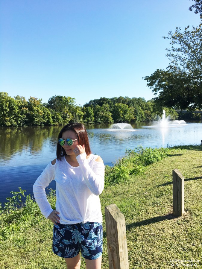 White Cold Shoulder Top + Palm Print Shorts 3