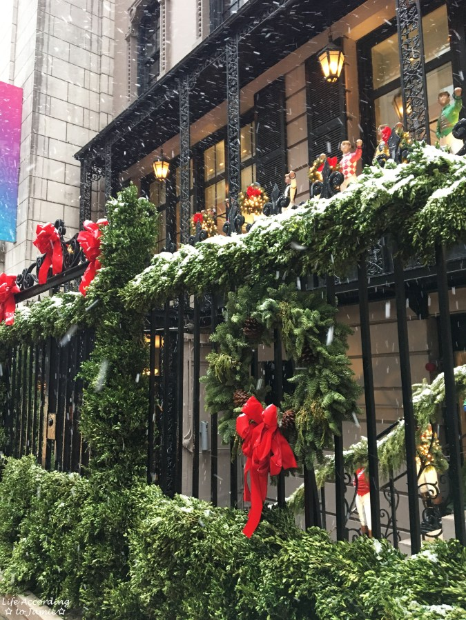 21 Club - Christmas Decorations