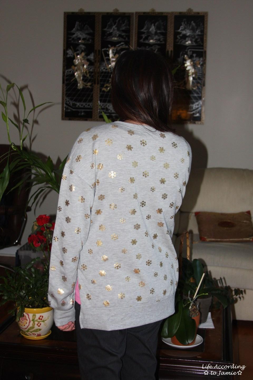 Gold Snowflake Sweatshirt 9