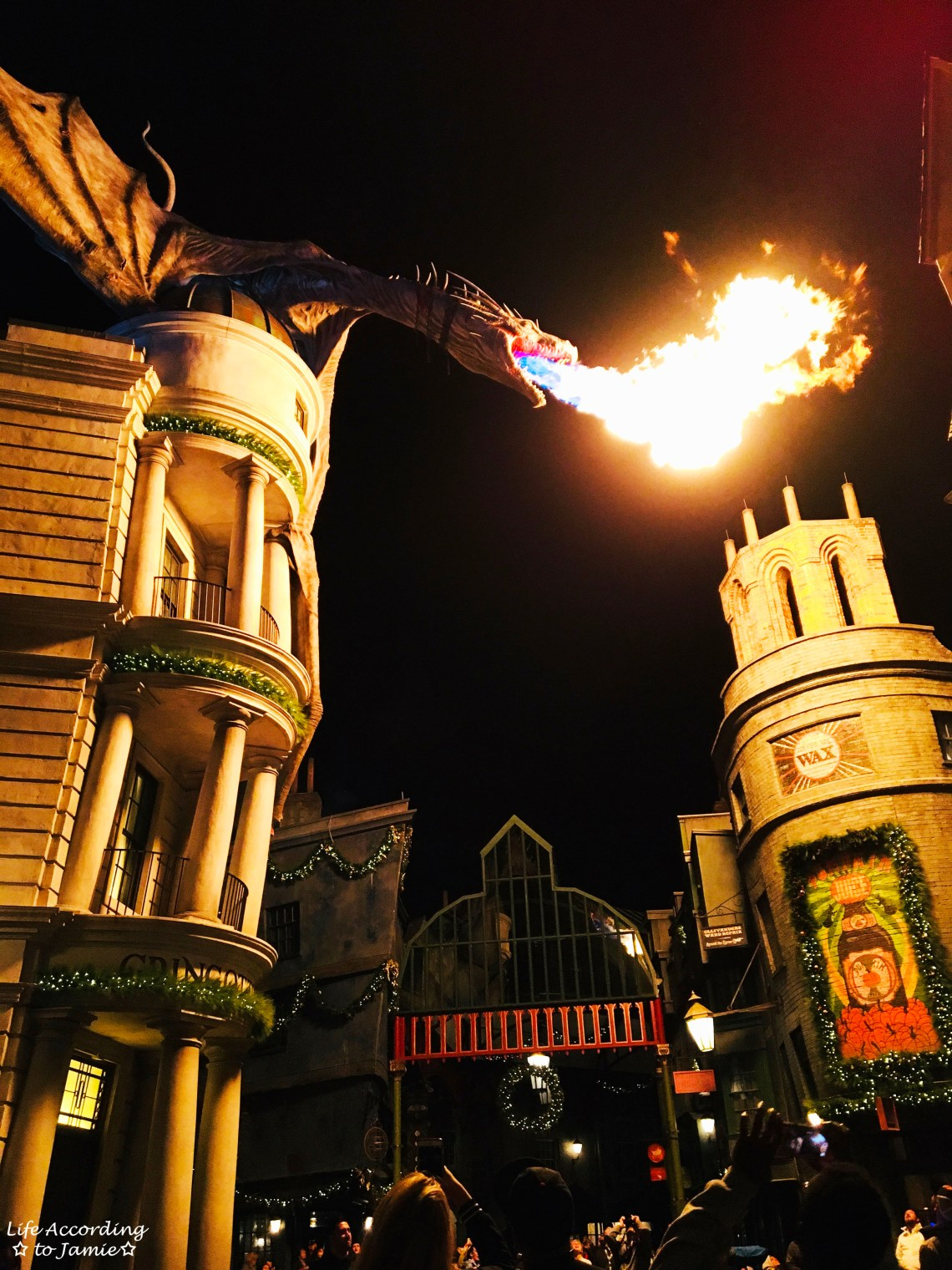 Diagon Alley - Dragon at night