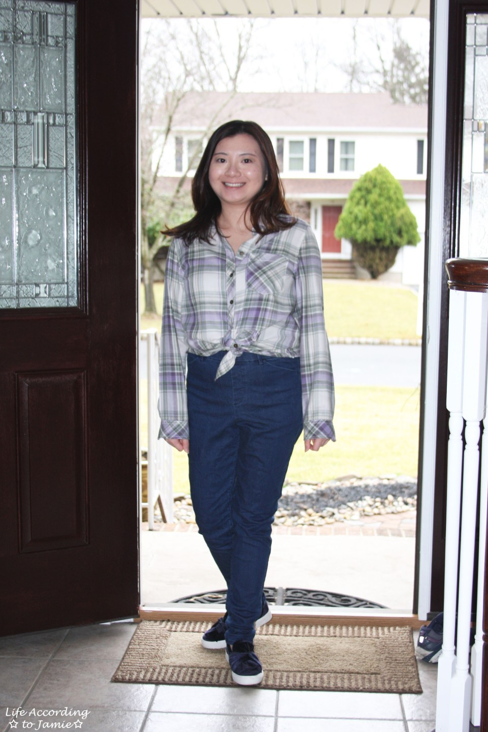 Tied Plaid Top + High Waisted Jeans 3