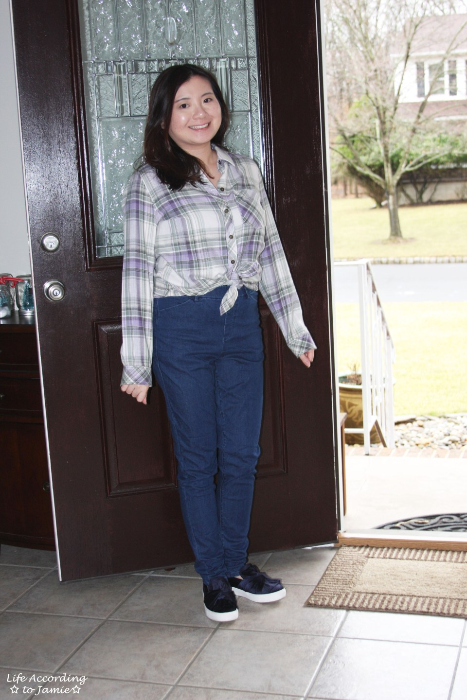 Tied Plaid Top + High Waisted Jeans 6