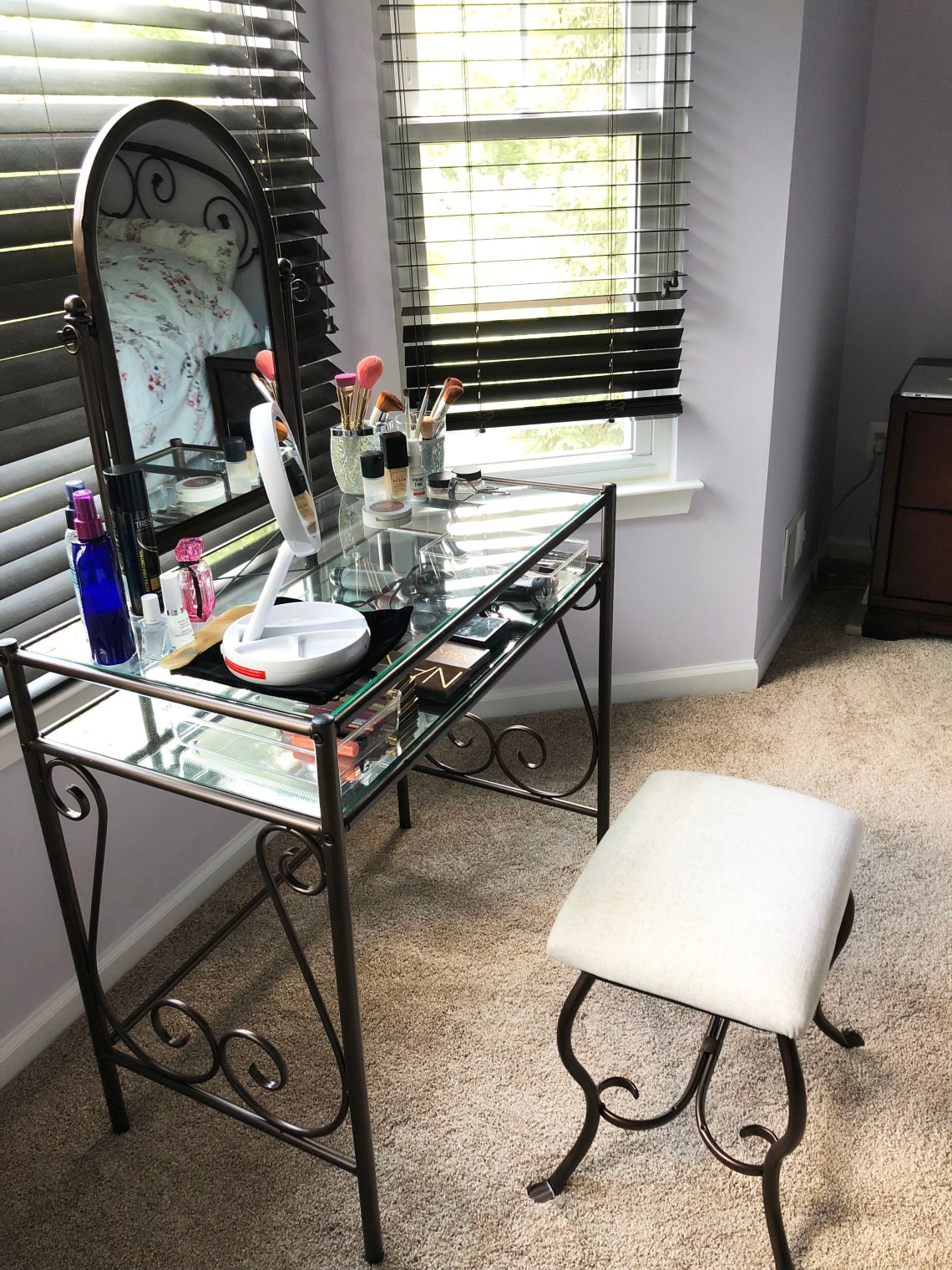 Buttler Vanity Set