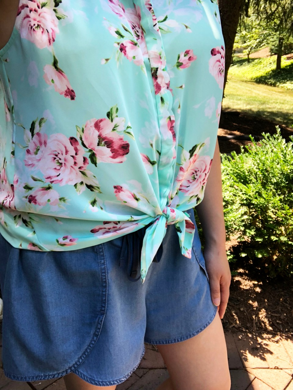 Floral Scalloped Trimmed Blouse + Tulip Shorts 10