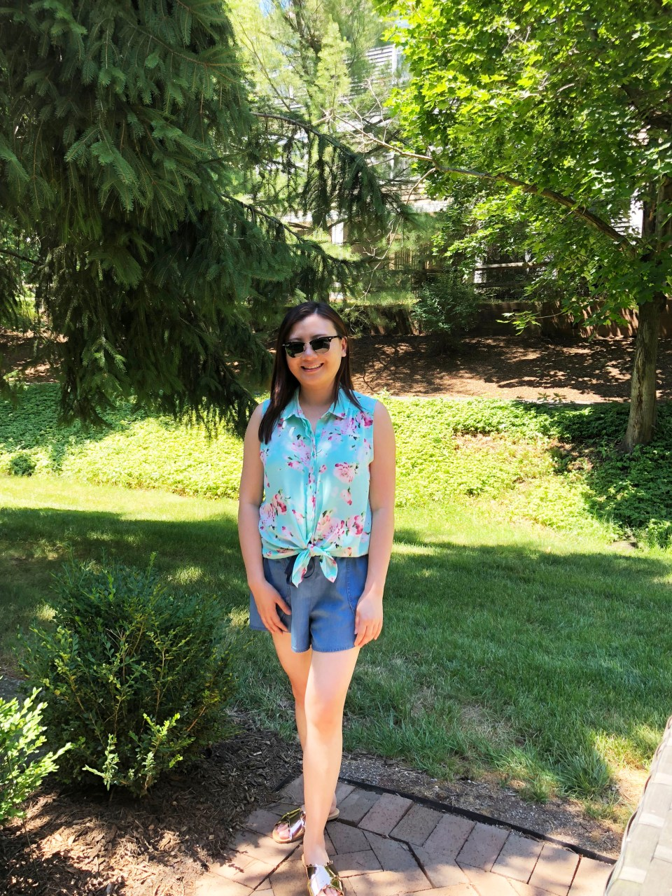Floral Scalloped Trimmed Blouse + Tulip Shorts 7