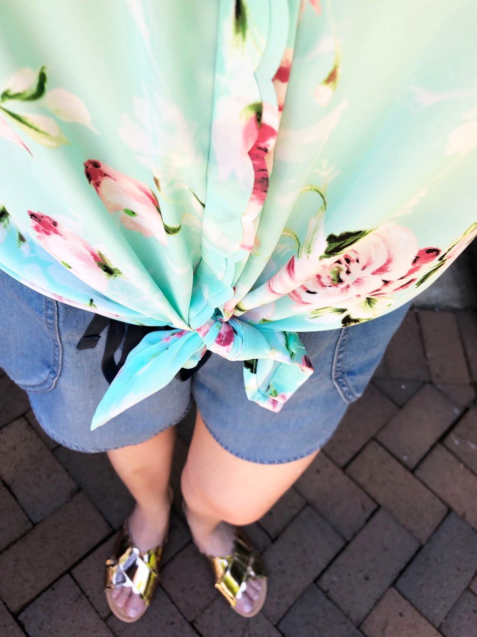 Floral Scalloped Trimmed Blouse + Tulip Shorts 9