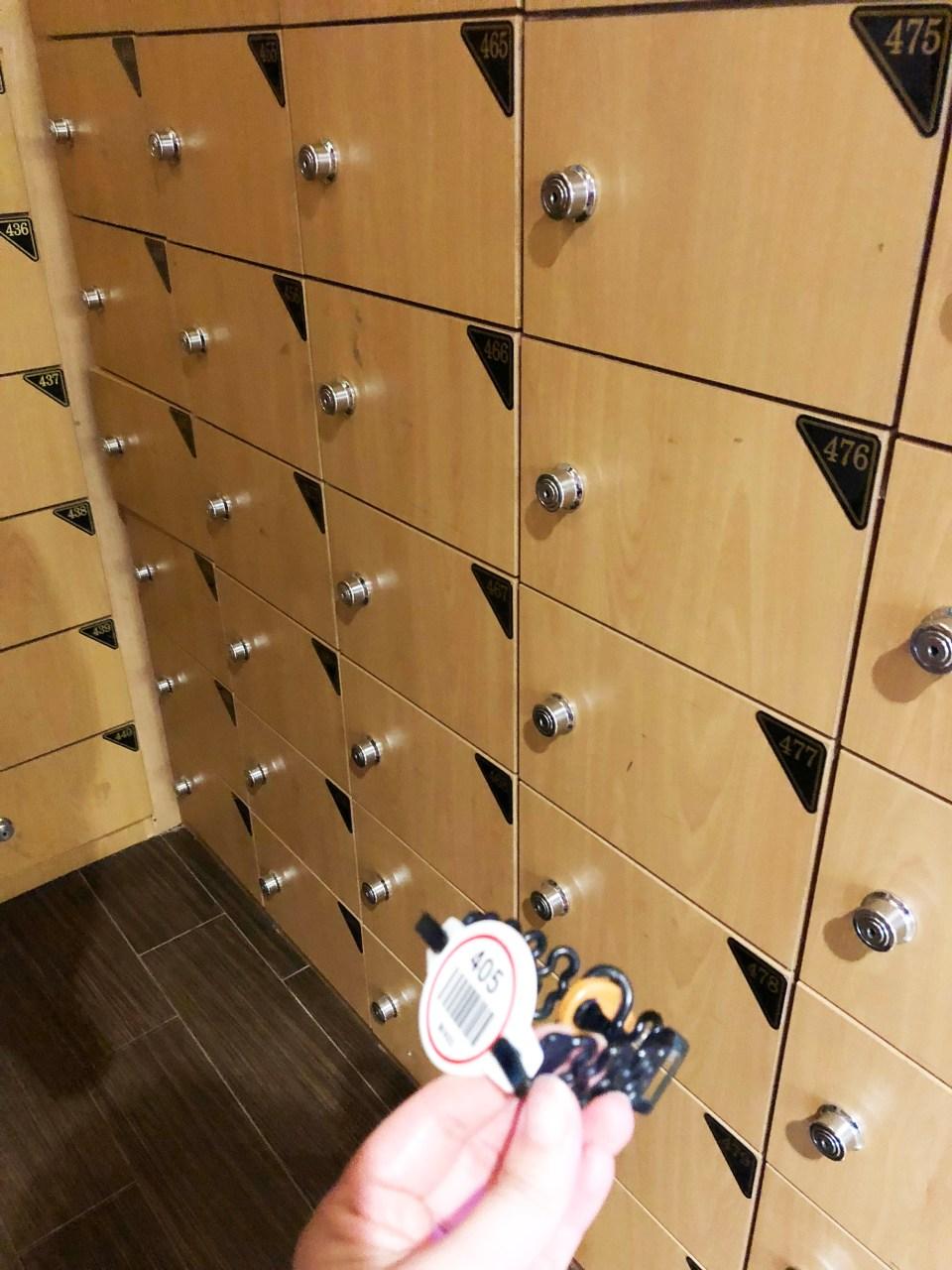 Island Spa & Sauna - Shoe Locker