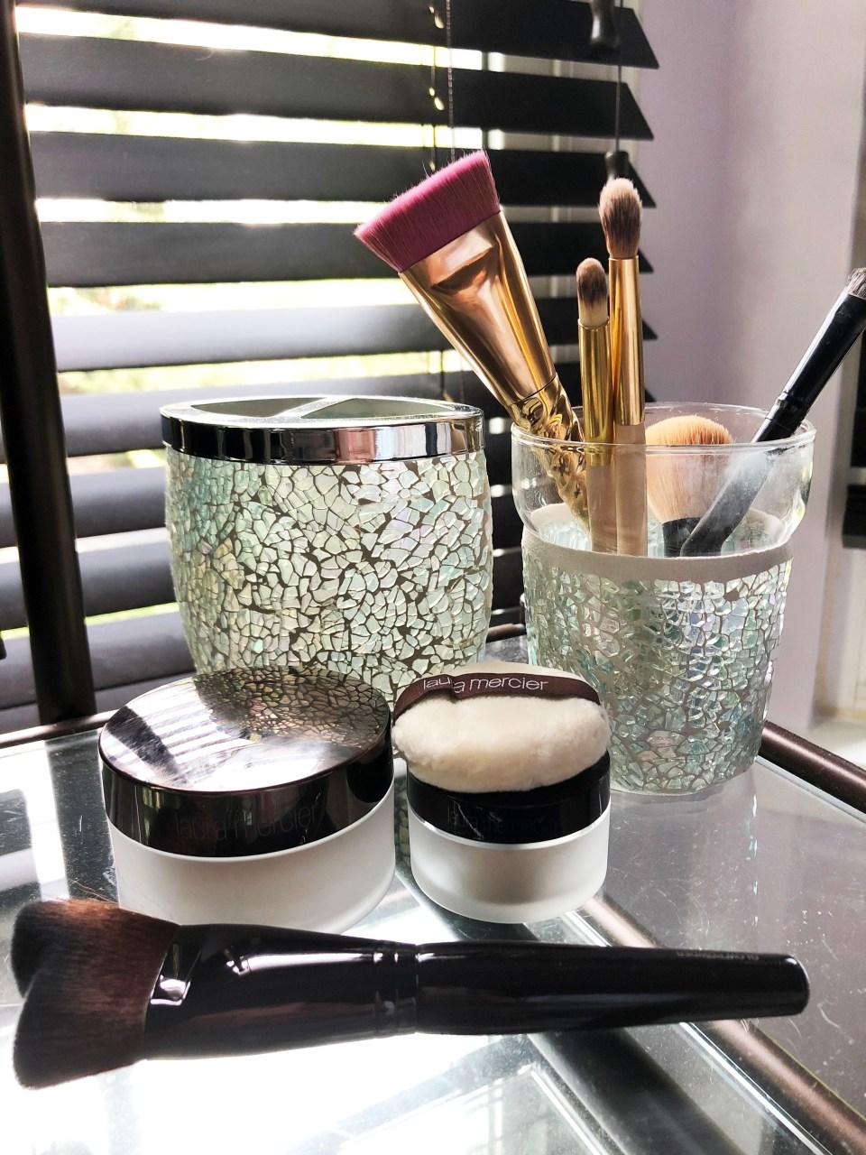 Laura Mercier Translucent Powder + brush 1
