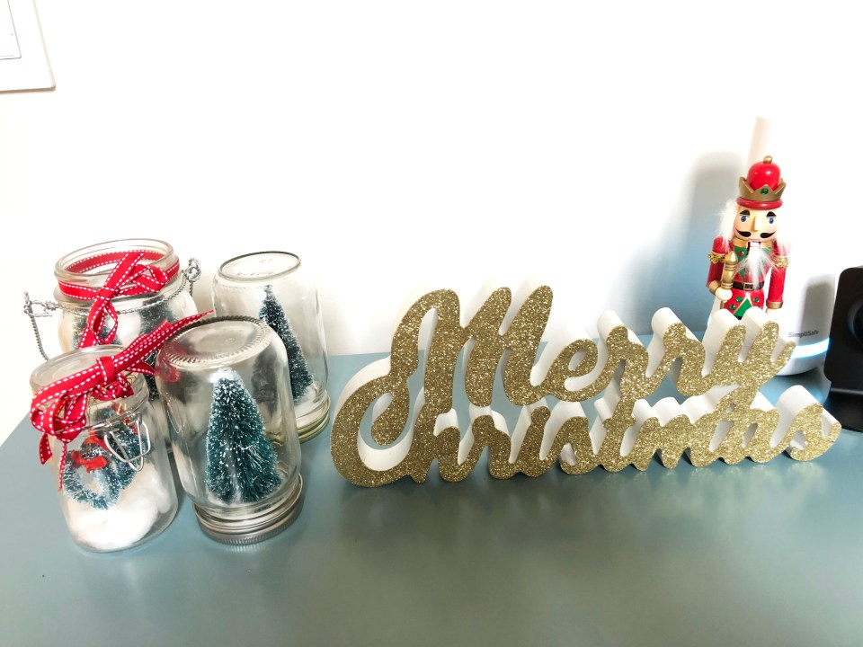 Buffet Table - Christmas Decorations 1