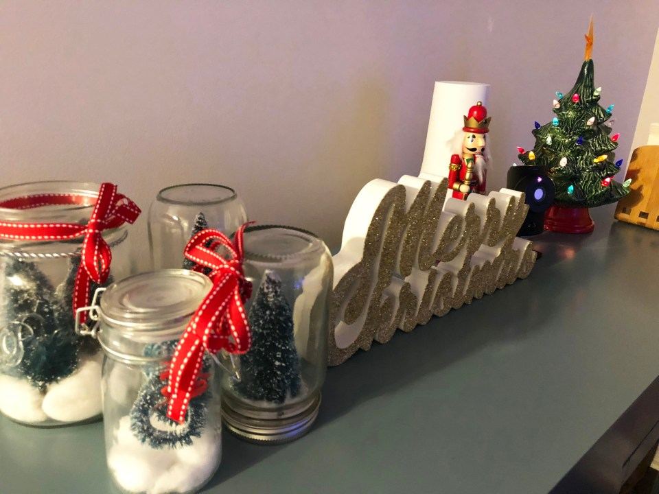 Buffet Table - Christmas Decorations 5
