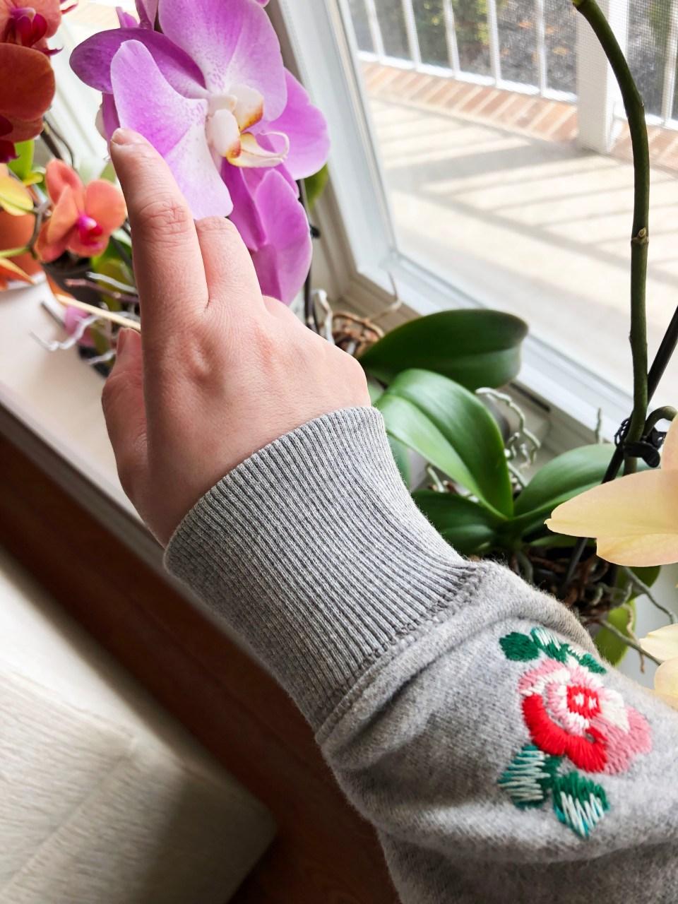 Floral Embroidered Sweatshirt 15