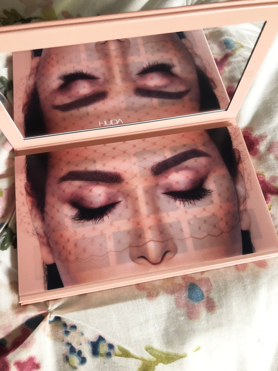 Huda Beauty - New Nude 2