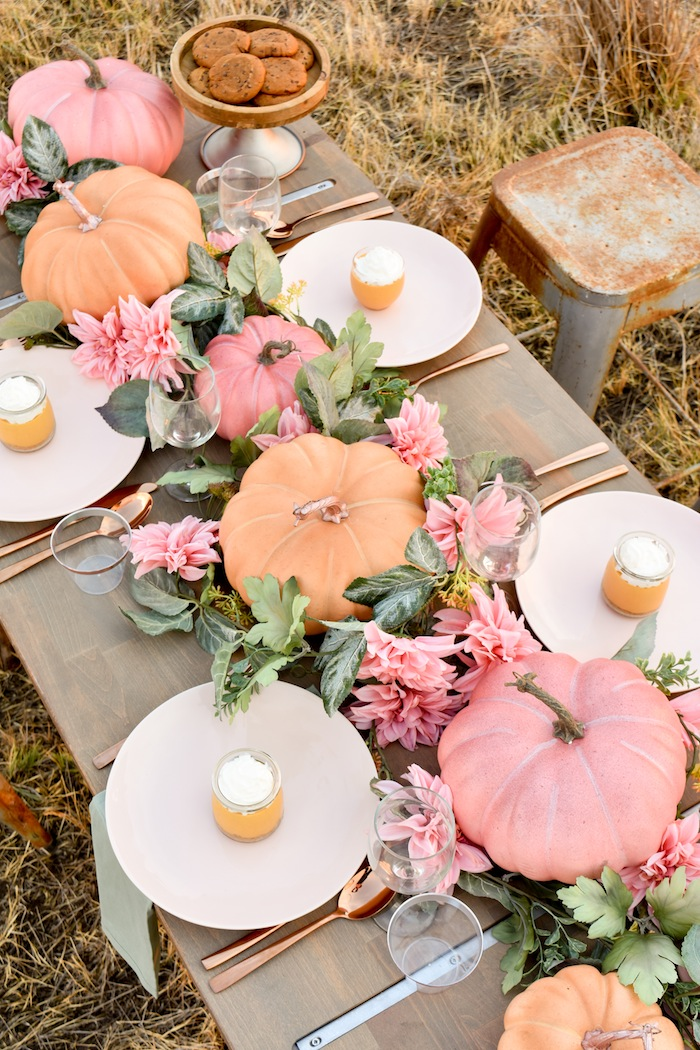 Fall-Pumpkin-Floral-Tablescape