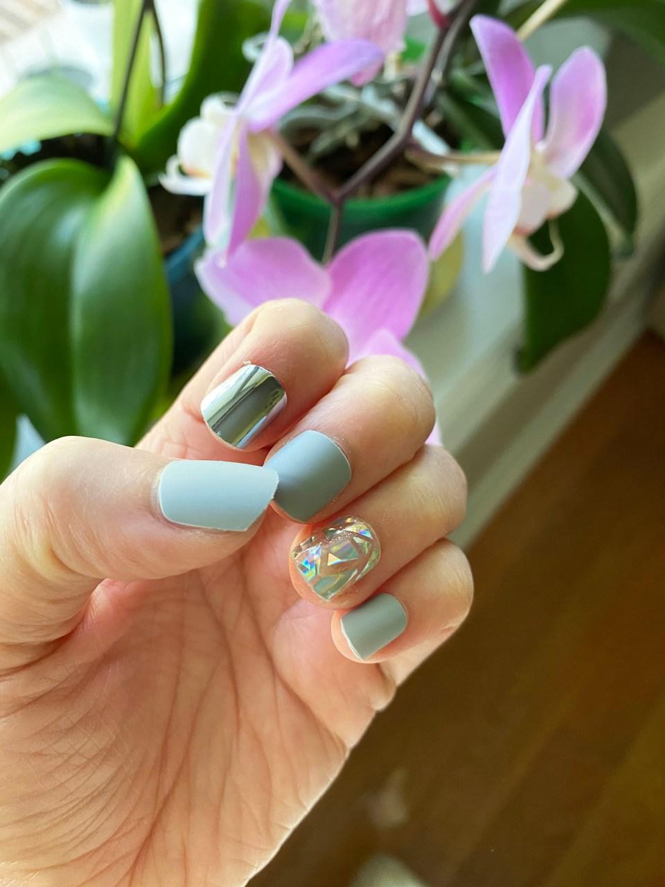 Femme Fatale Press-On Nails 2