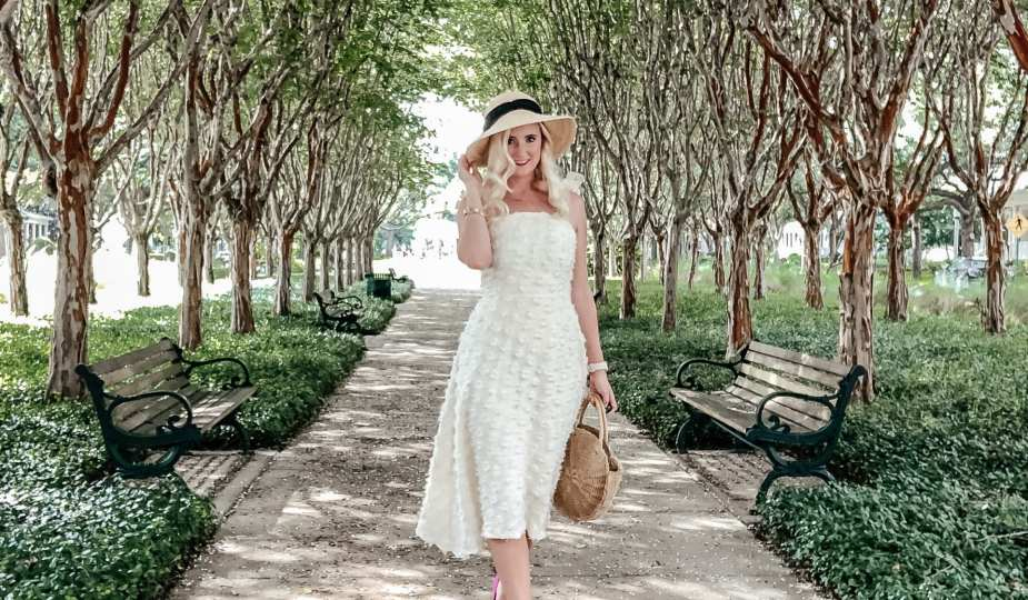 4 Gorgeous Dresses for Fall Wedding Guests 1
