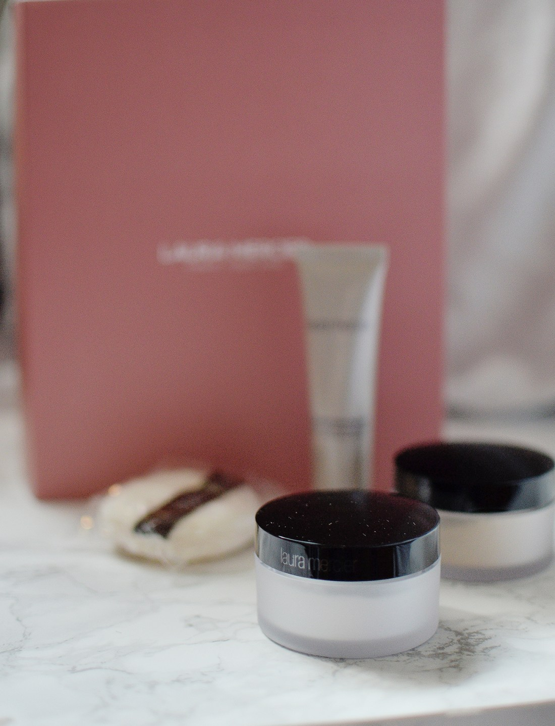 The Laura Mercier Prime & Perfect Set is a Nordstrom exclusive value kit that is really awesome bargain and here is my review on the included items!