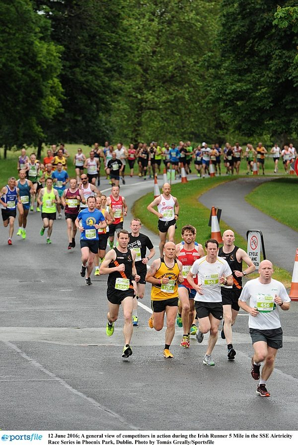 12 June 2016; A general view of competitors in action during the Irish Runner 5 Mile in the SSE Airtricity Race Series in Phoenix Park, Dublin. Photo by Tomás Greally/Sportsfile
