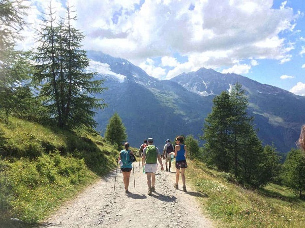 yoga-retreats-holidays-french-alps-hiking-11